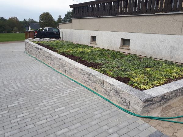Außenanlagen/ Terrassen